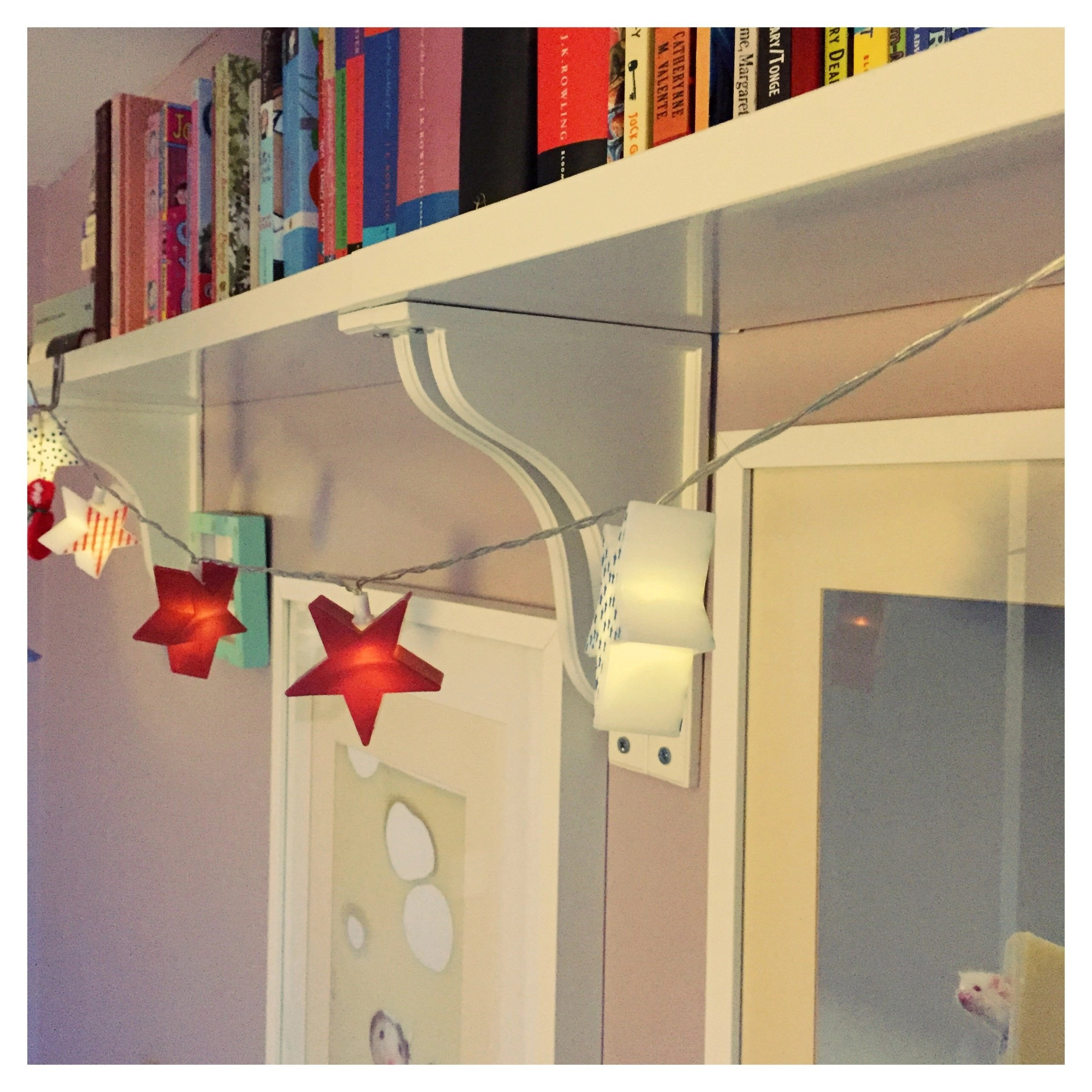 How To Decorate With Fairy Lights Daisies Amp Pie