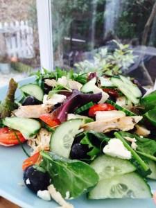 greek chicken salad recipe, greek salad recipe, quick chicken salad recipe, quick meal ideas, easy family food from daisies and pie