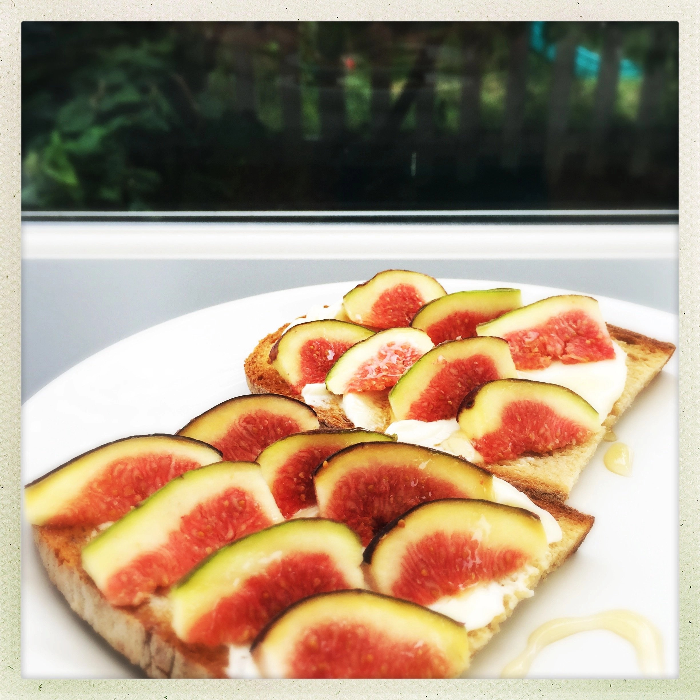 Sourdough toast with cream cheese and figs