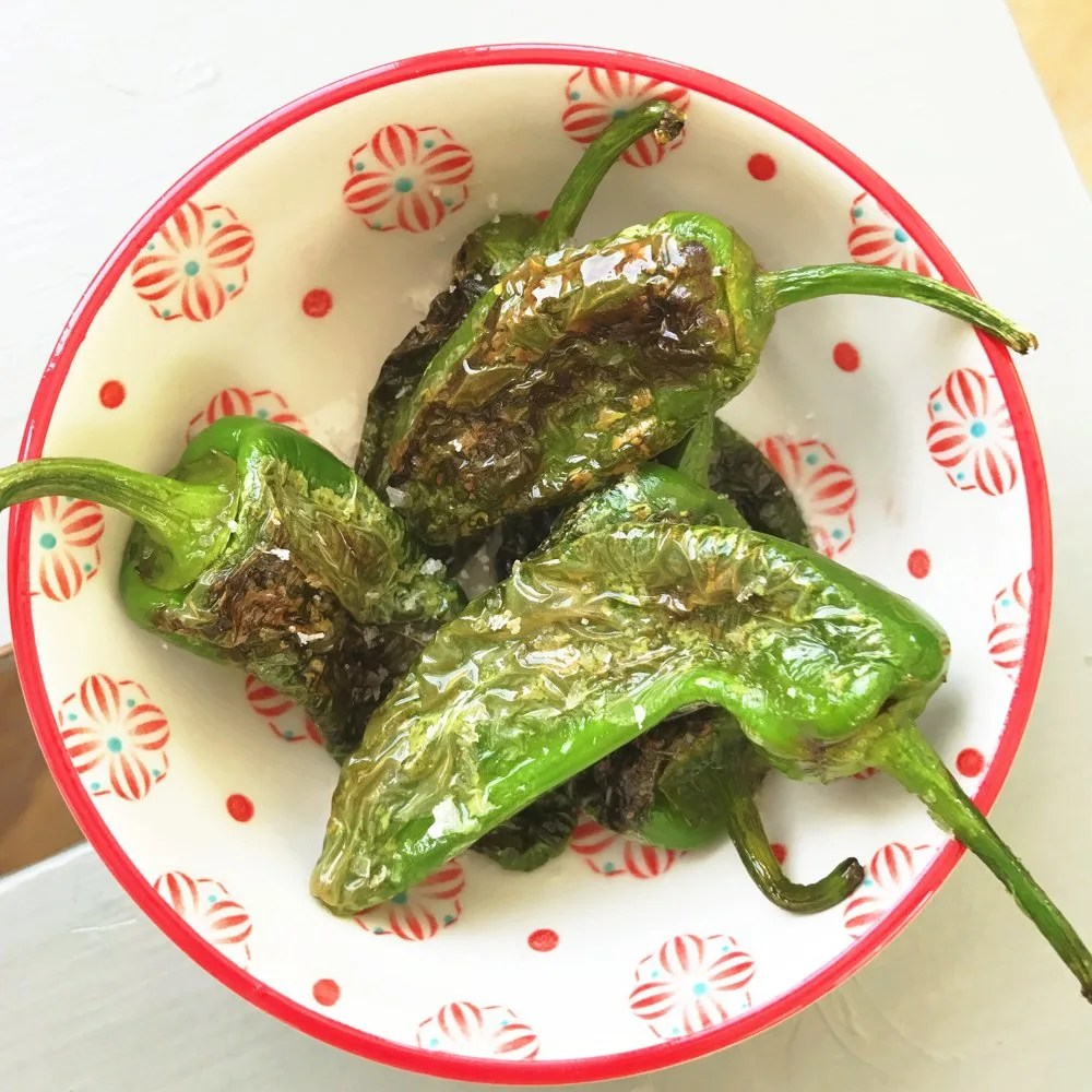 Blistered Padron Peppers, perfectly cooked little Spanish tapas peppers, easy tapas recipes