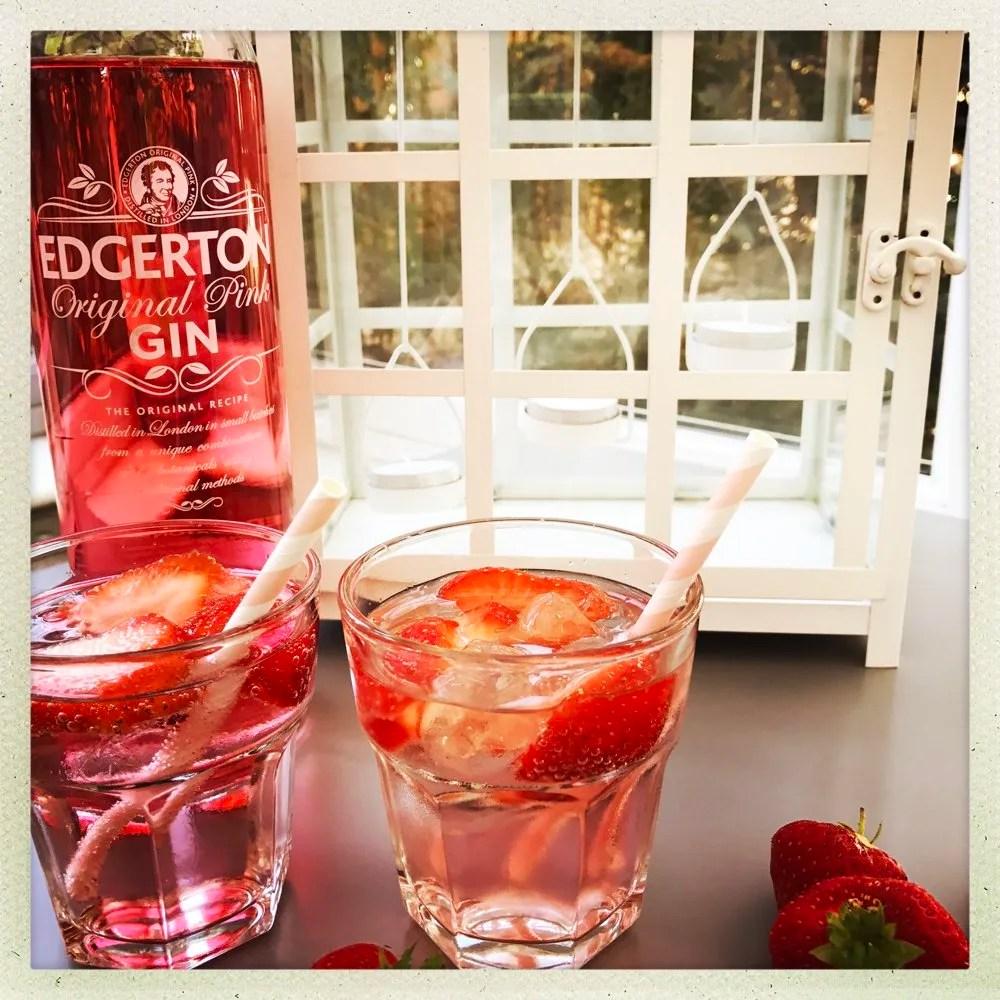 Pink Gin Fizz