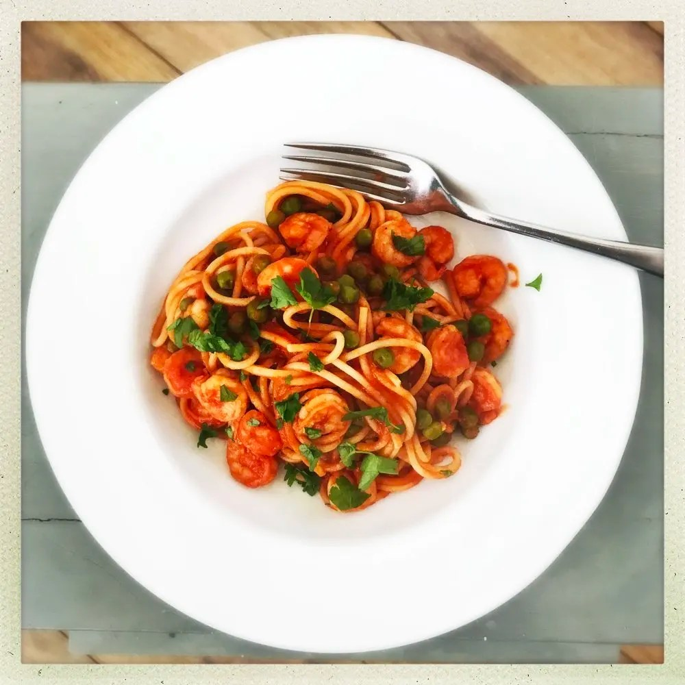 Quick and easy prawn and pea pasta recipe, quick midweek healthy dinner recipe, easy italian recipe, things to make with prawns