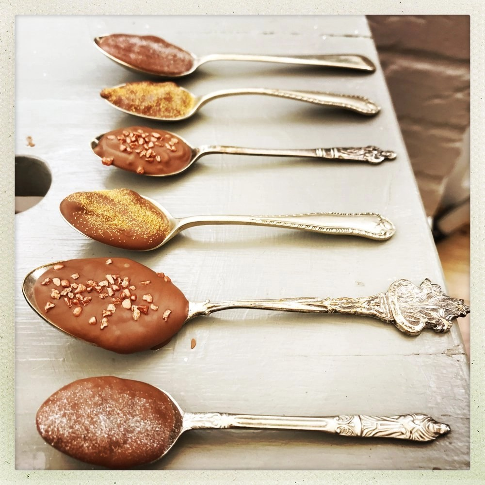 How to make chocolate dipping spoons, edible Christmas gifts,