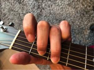 6弦を薬指で押さえるパターンの「G」