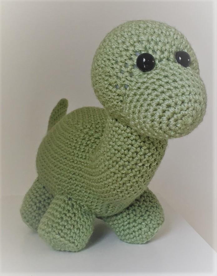 Amigurumi dinosaur crochet pattern - Amigurumi Today | 886x696