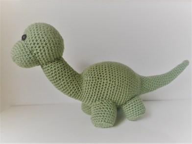 How to Crochet a Brontosaurus Dinosaur Applique - YouTube | 294x392
