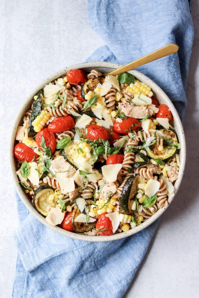 Pasta salad with roasted vegetables and tuna - the mediterranean diet
