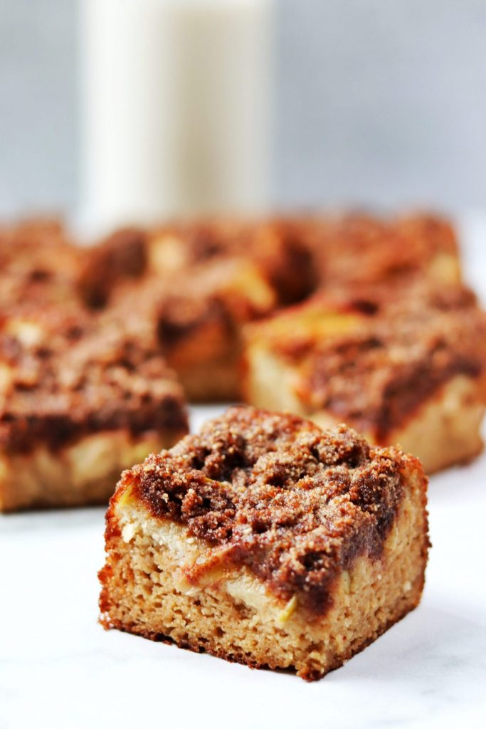 Healthier apple cinnamon coffee cake - Daisybeet