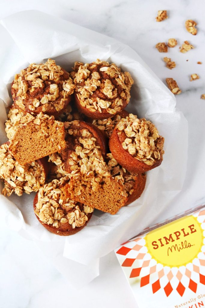 Pumpkin muffins with crumble topping - Daisybeet
