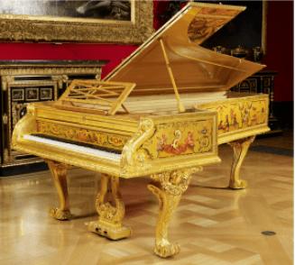 伊拉德公司(S & P Erard)1856年出品的鍍金鋼琴