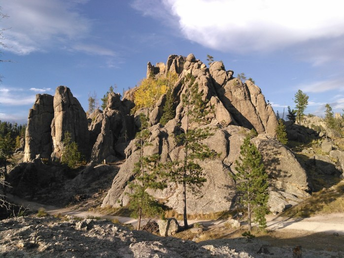 Big rocks on the north side of Sylvan Lake