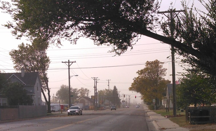 Looking west into the oncoming dust on 8th Ave North, Aberdeen, South Dakota, 2015.10.11.