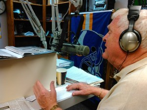 Host Don Briscoe does an ad break during the Heidelberger–Novstrup debate on KSDN, 2016.11.04.
