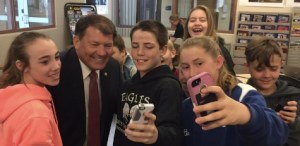 Selfies with the Senator, no extra charge. Probably. (From @SenatorRounds, 2017.04.18)