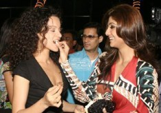 shilpa Dale Bhagwagar has an eye on the media as Shilpa Shetty treats Kangana Ranaut with a birthday cake at the Metro mucic launch.