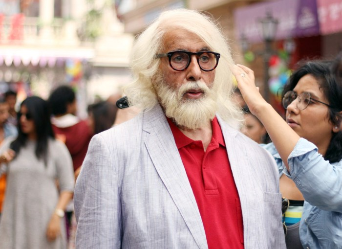 Preetisheel Singh working on Amitabh Bachchan's look on the sets of 102 Not Out. Pic 2.