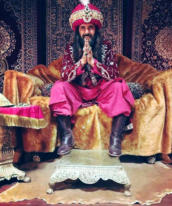 Ravi Dubey as Alauddin Khilji in Sabse Smart Kaun. Pic 2. (Image courtesy - Instagram)