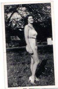 Helen Camera