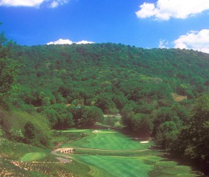 Raven Golf Club Hole 9. Copyright Donnelle Oxley