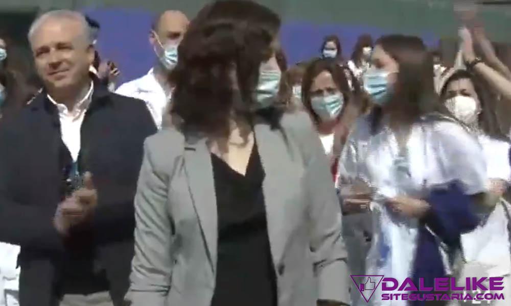 Trabajadores médicos del Hospital de campaña IFEMA, solicitan a Ayuso entre gritos ¡Queremos test!