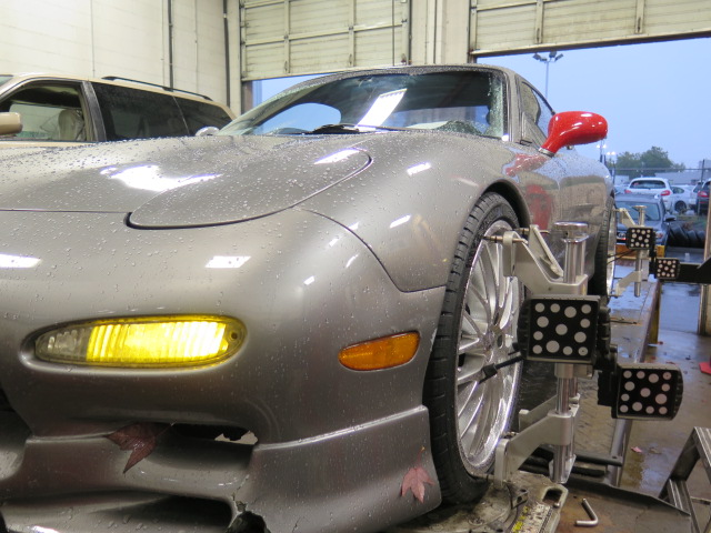 FD RX-7 in for an alignment at Dales Auto Service (3)