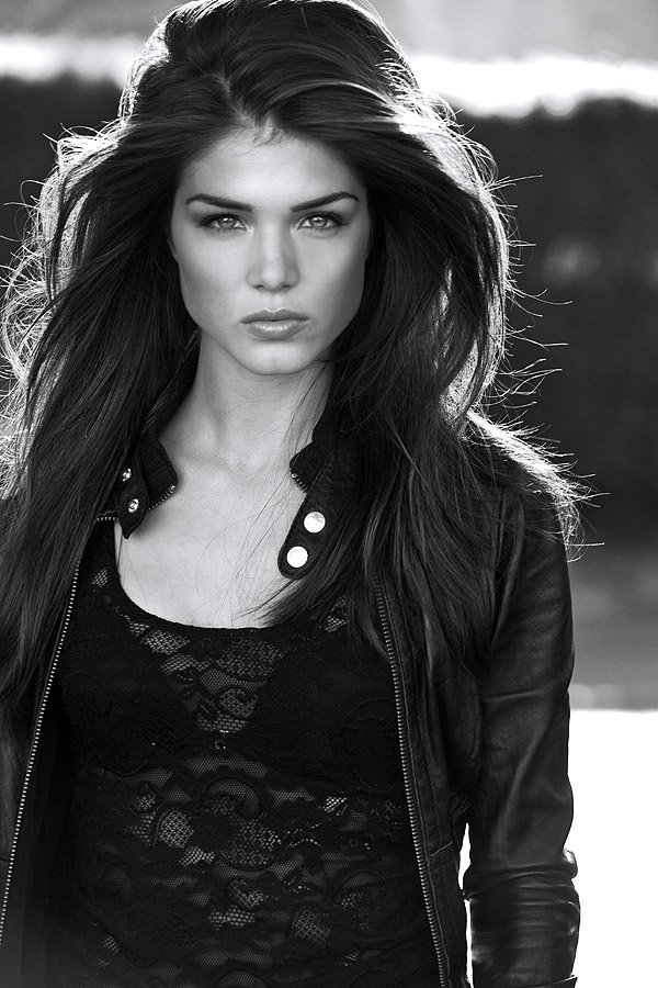 Marie Avgeropoulos2