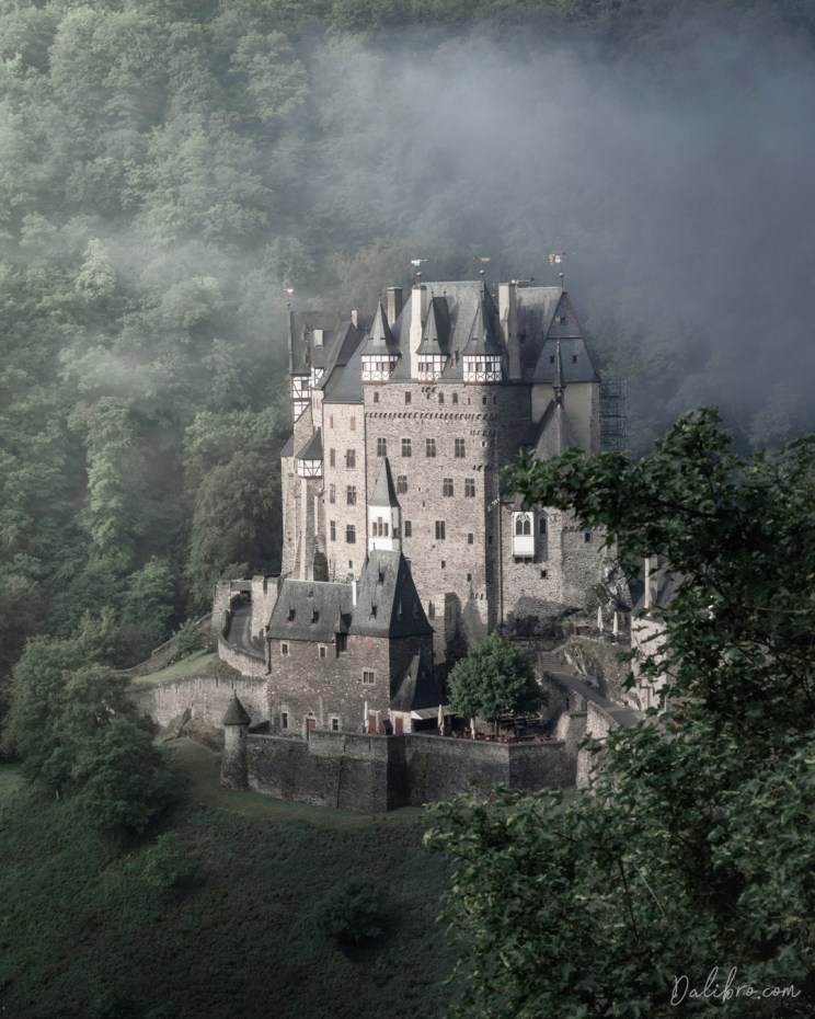 Burg Eltz - view from the road curve