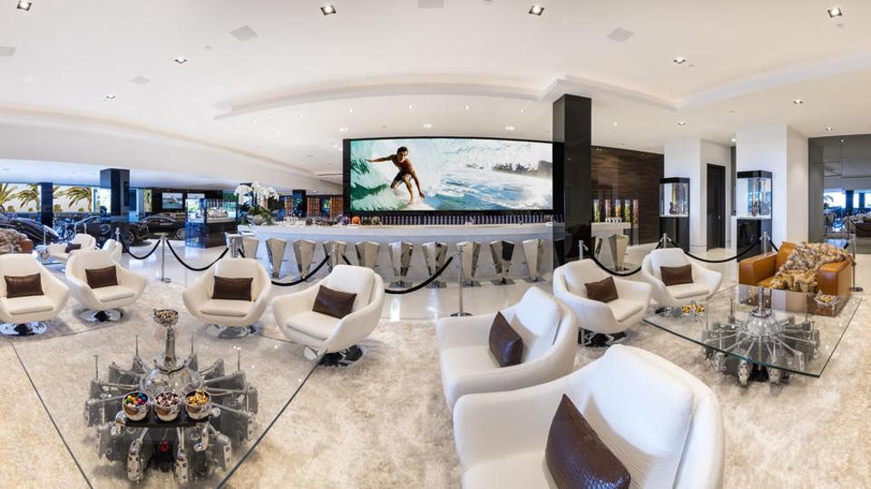 auto-lounge