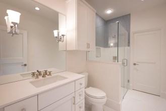 Full Bath 4