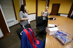 Wendy Birdsall (left) talks to Isabella de Cardenas before her class at Dallas Hall on Friday.(Nathan Hunsinger/Staff Photographer)
