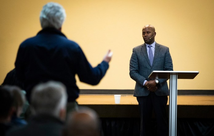 Dr. Brian H. Williams, chairman of the Dallas Citizens Police Review Board, takes a question from the audience during a Citizens Police Review Board town hall meeting at Highland Oaks Church of Christ on Thursday, Jan. 3, 2019, in Dallas.(Smiley N. Pool/Staff Photographer)