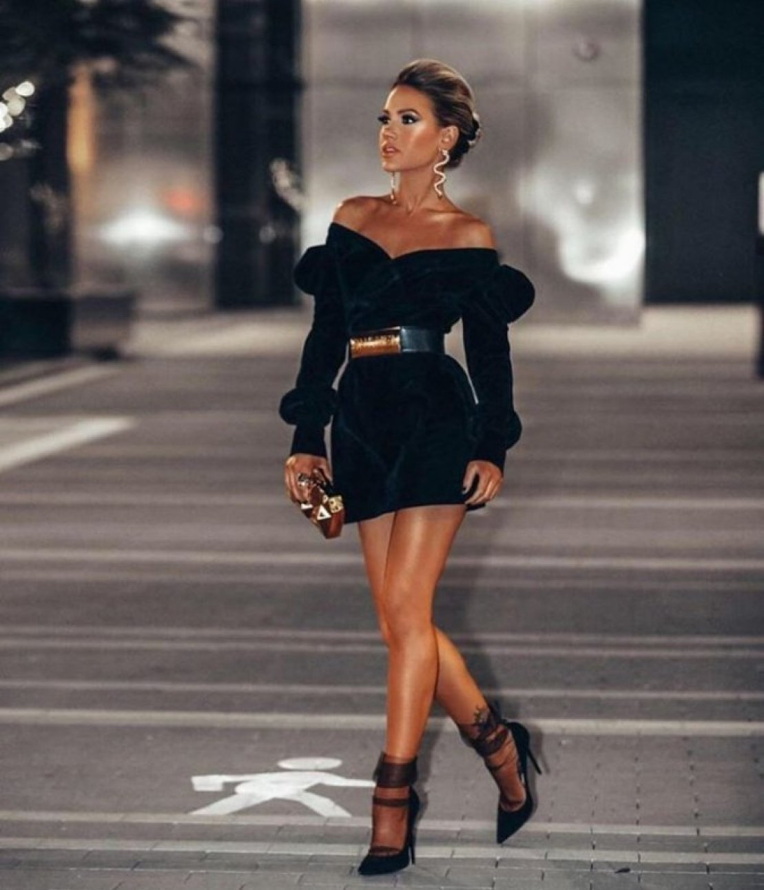 How to Slay Your Looks in All-Black like Shanda Rogers