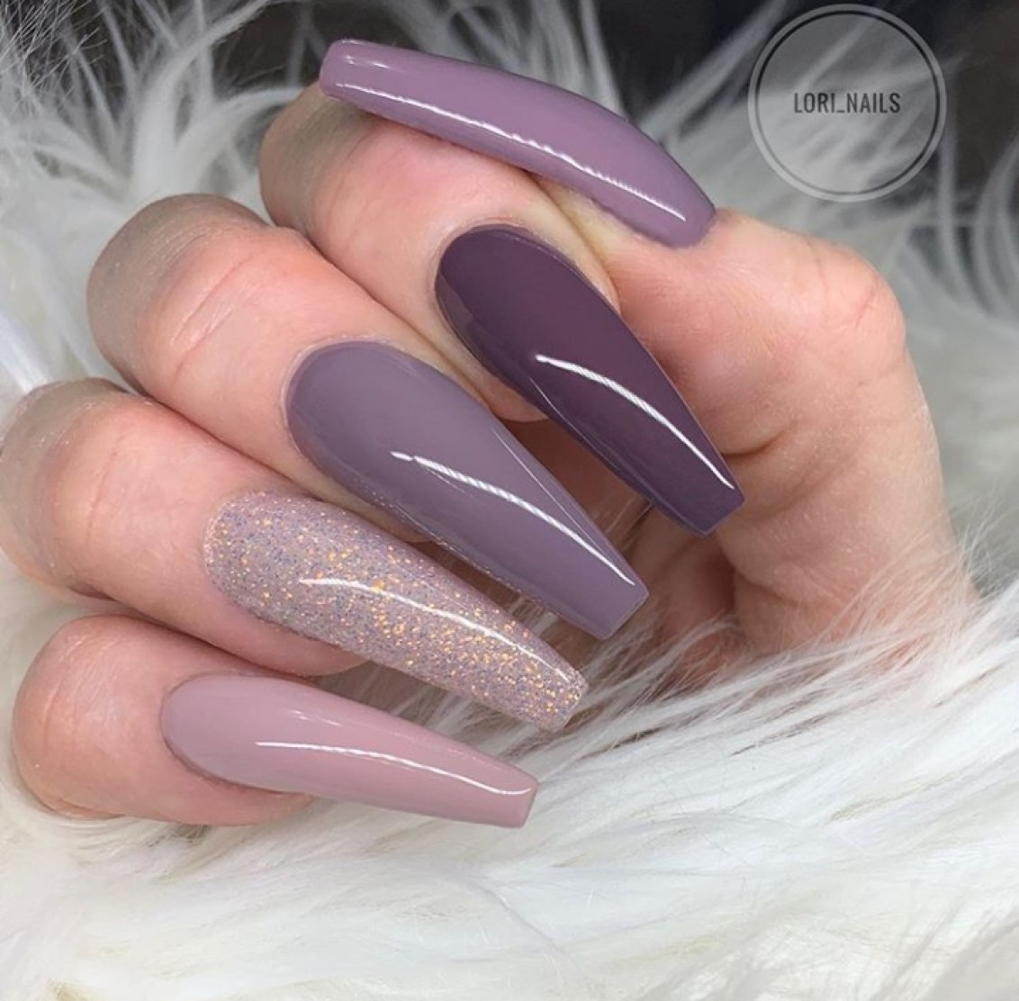 Stunning Mauve Nails For A Flawless Look