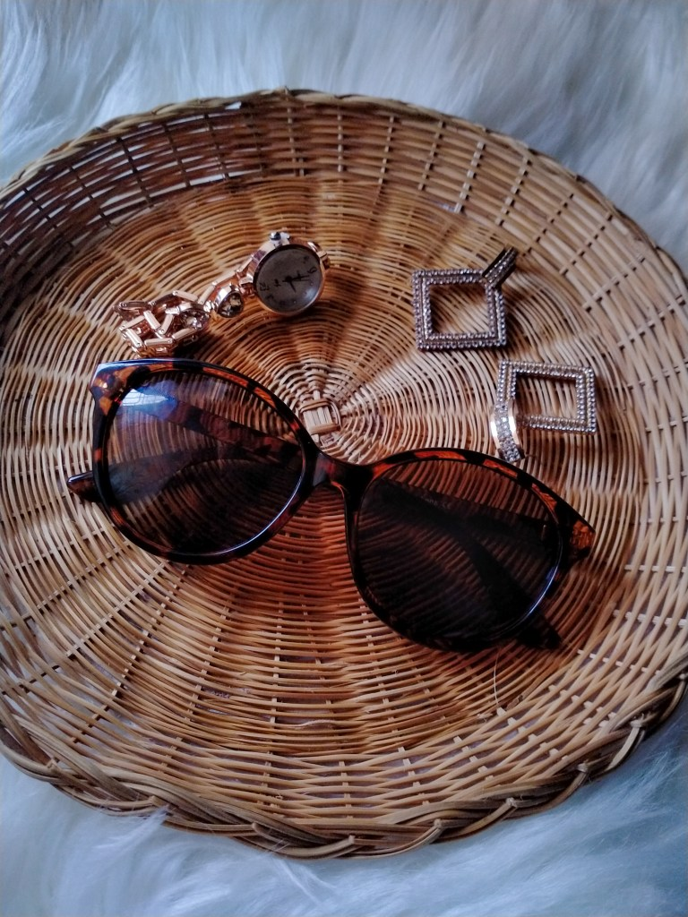 More Than A Fashion Accessory: Try Polarized Sunglasses But Keep Them Chic!