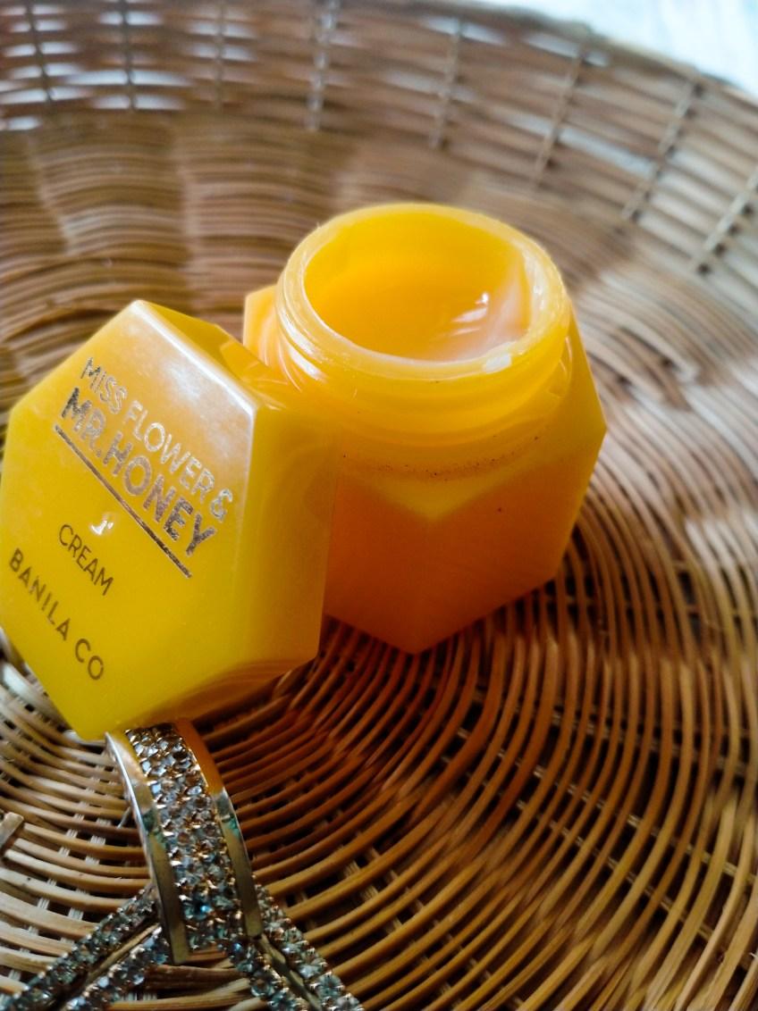 How I Moisturize My Oily Skin With Banila Co Miss Flower & Mr. Honey Cream