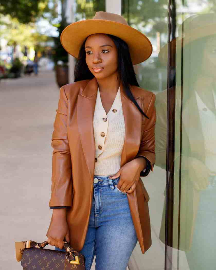 Stylish Leather Outfit Ideas For Women (+ Shopping Guide For Leather)Stylish Leather Outfit Ideas For Women (+ Shopping Guide For Leather)