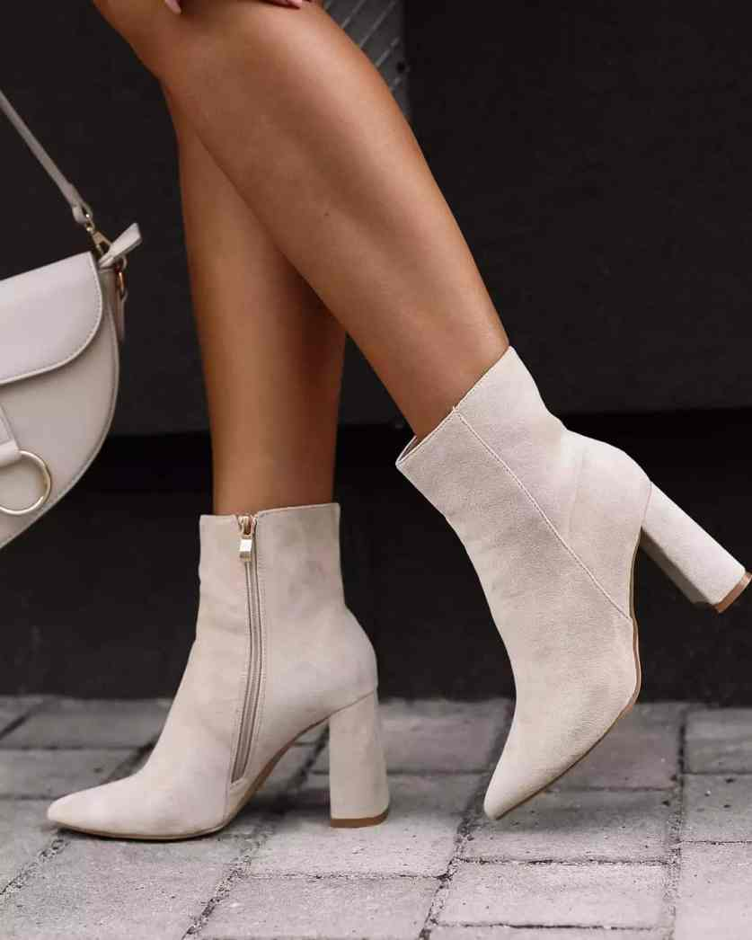 18 Chic Brown Ankle Boots Outfits - Tips To Wear Brown Booties All Year Long