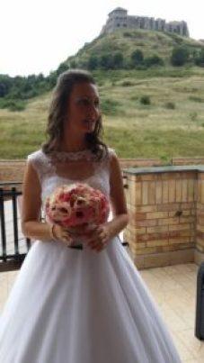 A menyasszony szertartásra készen Sümegen
