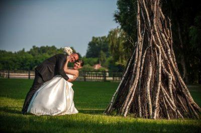 Éva és Tomi fél-szabadtéri esküvője Lajosmizsén az Új Tanya Csárdában