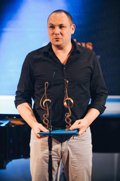 Romhányi Áron vette át mindkettejük díját, Pély Barna távollétében.