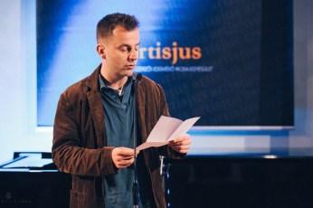 Grecsó Krisztián méltatja a harmadik irodalmi díjazottat,....