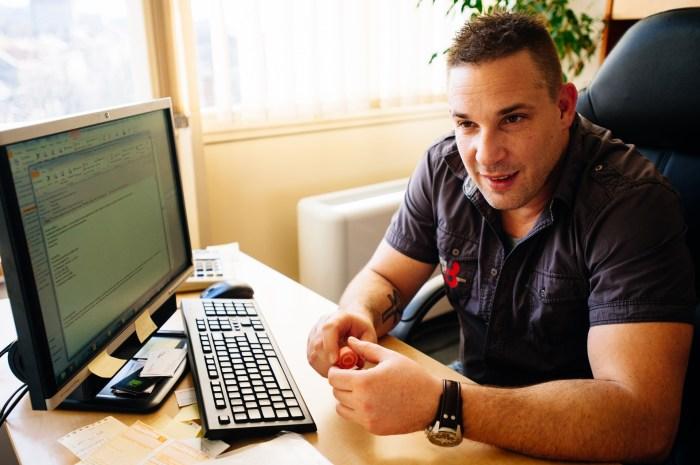 Gábor 1993 óta az Artisjusnál dolgozik. Most a Média Osztályon csoportvezető. Fotó: Fegyverneky Sándor