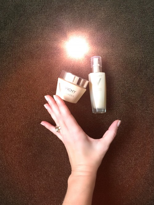 Radiance is within reach with Vichy Neo Vadiol Compensating Complex