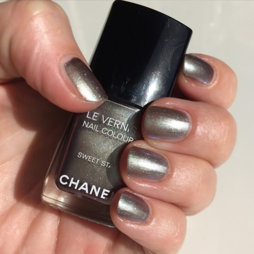 Chanel Le Vernis Sweet Star nail polish dalybeauty