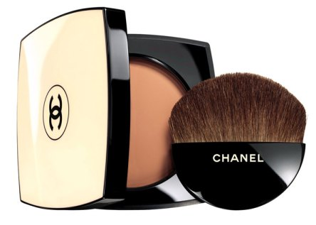 chanel les beiges compact with half moon brush
