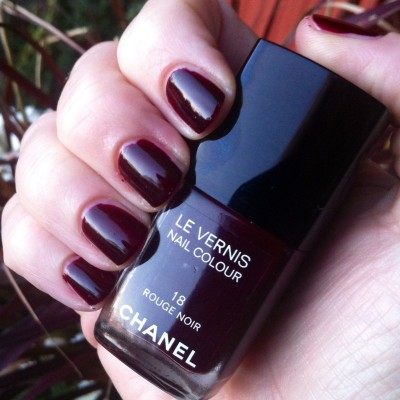 chanel rouge noir swatch
