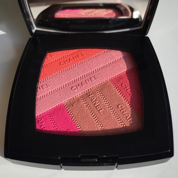 Chanel Sunkiss Ribbon blush dalybeauty swatch review