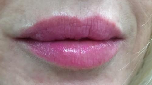 Guerlain Petite Robe Noire Pink Tie Lipstick