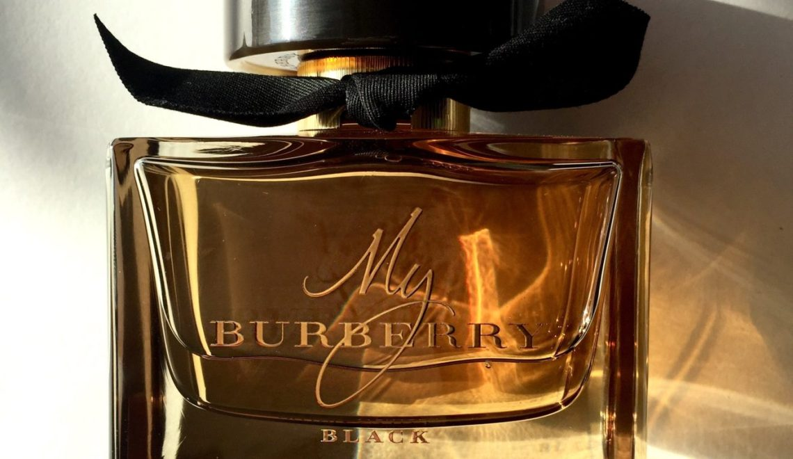 My Burberry Black : Heavy Rain On Flowers And Warm Skin