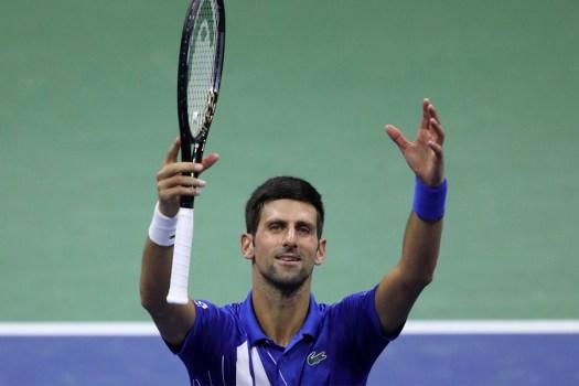 Djokovic descalificado del US Open por pelotazo a una jefa